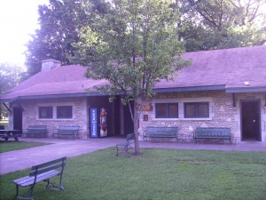 Gregg Park Enclosed Shelter
